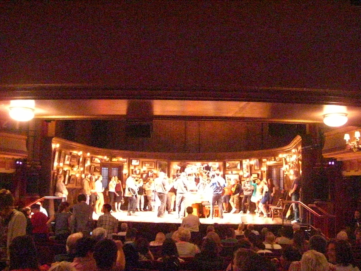 Musical Once - London - The Stage