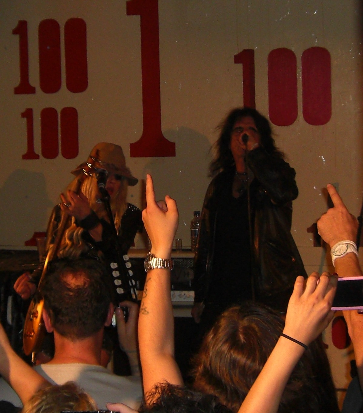 Orianthi with Alice Cooper 100 Club London